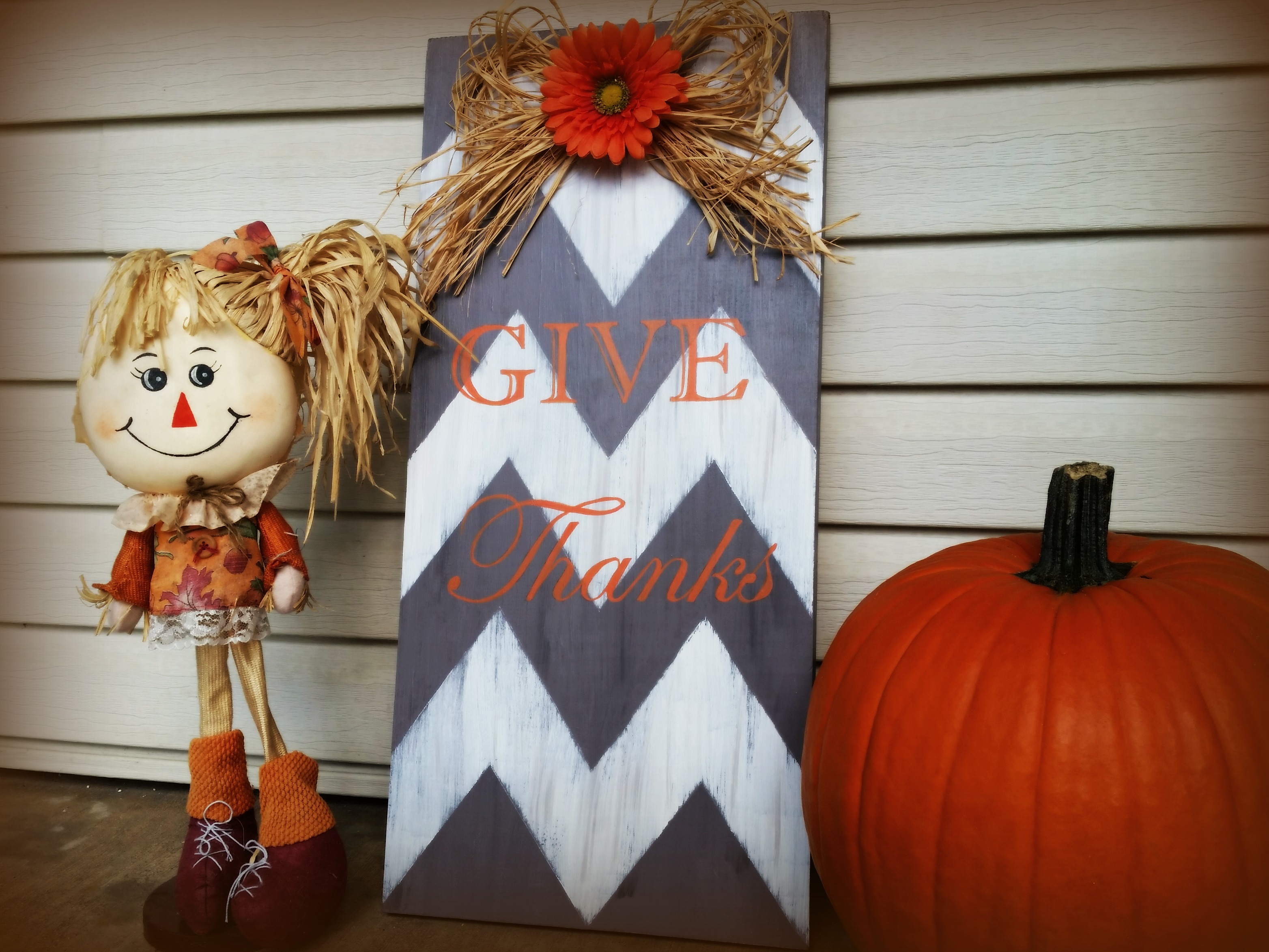 fall sign feature