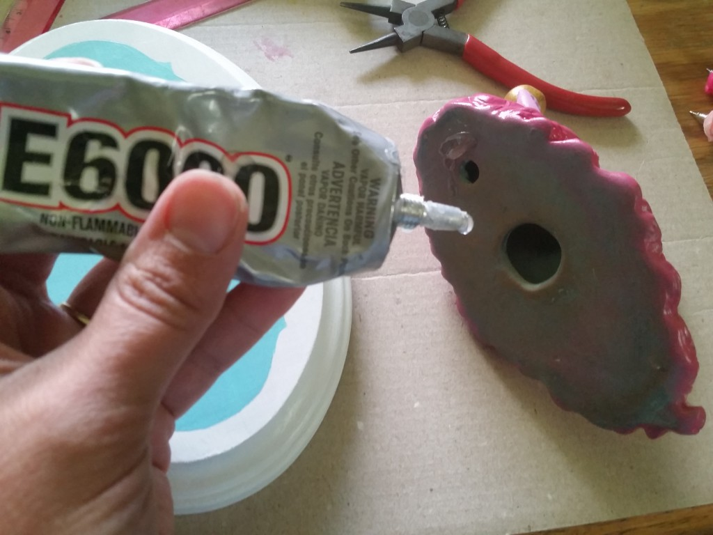using E600 glue to mount an animal bust